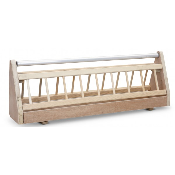 Wooden feeder with metal rollerbar - open