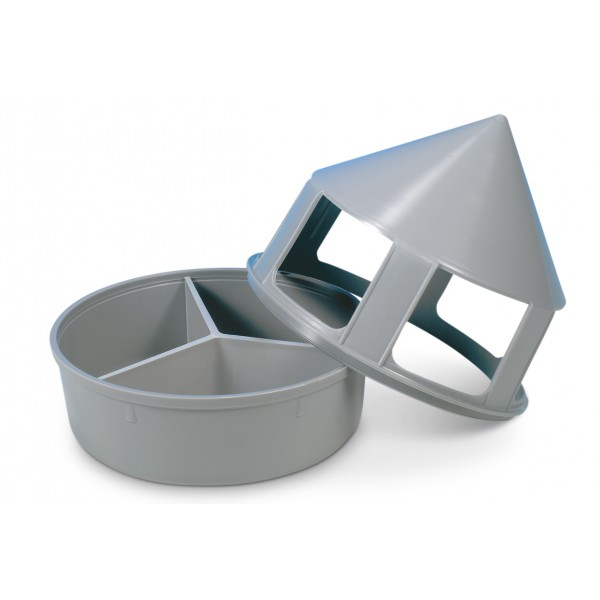 Plastic grit feeder with compartments